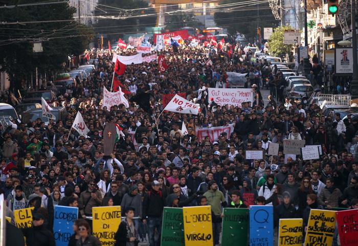 Италия: 30 000 человек участвовали в протесте против загрязнения почвы. Фото: Christopher Furlong/Getty Images