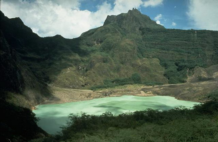 Вулкан Келуд. Фото: Dan Dzurisin (U.S. Geological Survey)/commons.wikimedia.org