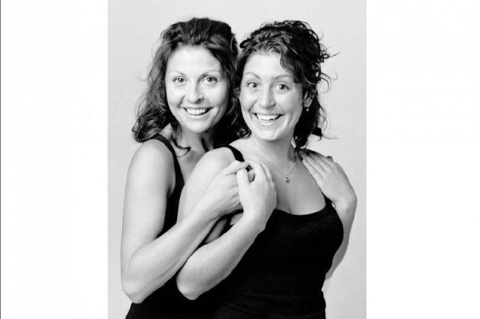 Мари-Шанталь Перрон и Нэнси Поль: Нэнси — ассистент стоматолога, и ей льстит, когда её принимают за актрису Мари-Шанталь Перрон. Фото: Franзois Brunelle