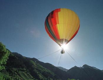 В Тироле мужчина сорвался с воздушного шара. Фото: Michael Smith/Getty Images