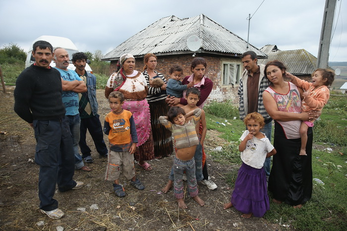 Цыгане — свободолюбивый народ, который по образу жизни очень сильно отличается от других народностей. «Цыганский вопрос» во Франции является очень серьёзным. В стране насчитывается 300 тысяч цыган, которые кочуют по стране. Фото: Sean Gallup/Getty Images