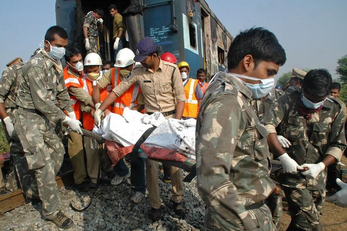 Пожар произошёл в поезде на юге Индии, 26 человек погибло. Фото: STRDEL/AFP/Getty Images