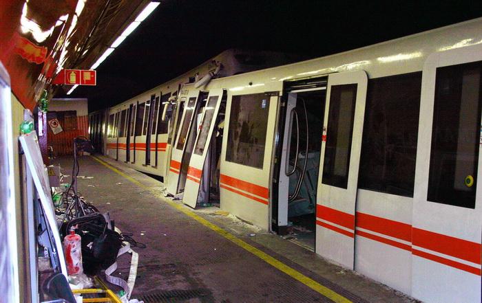 Два поезда метро столкнулись в Риме. Фото: AFP/Getty Images