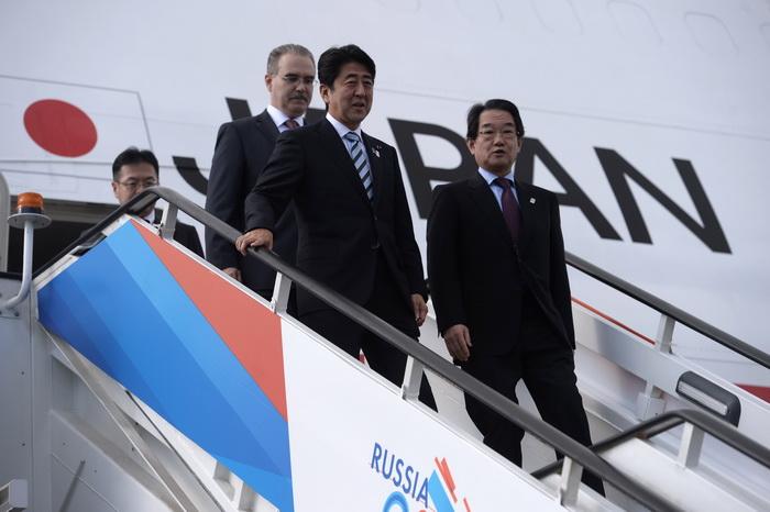 Россия может запретить безвизовые поездки японских политиков на Курилы. Фото: DIMITAR DILKOFF/AFP/Getty Images