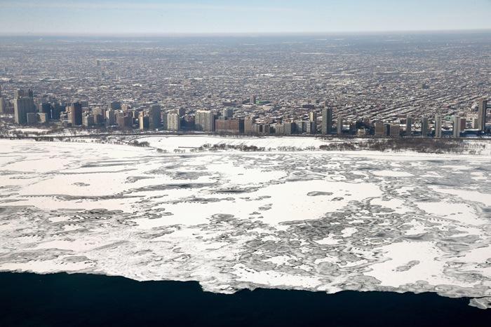 Озеро Мичиган, США. Февраль 2014 года. Фото: Scott Olson/Getty Images