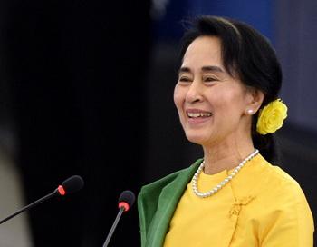 Аун Сан Су Чжи. Фото: PATRICK HERTZOG/AFP/Getty Images