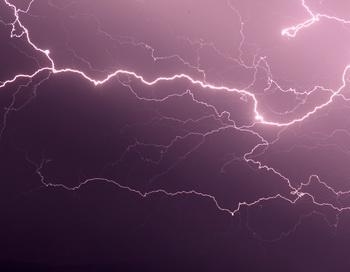 Более 30 человек погибли от ударов молний в Индии. Фото: PASCAL POCHARD-CASABIANCA/AFP/Getty Images