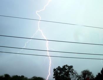 В Африке молния убила семь студентов. Фото: morguefile.com