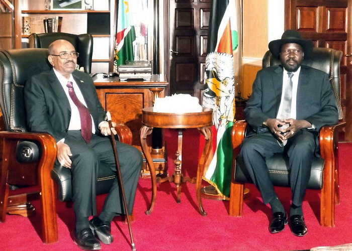 Президент Судана Омар аль-Башир и президент Южного Судана Салва Киир. Фото: SAMIR BOL/AFP/Getty Images