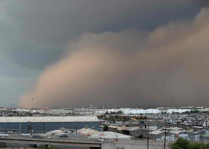 США. Аризона. Пыльная буря. Фото: Christian Petersen/Getty Images