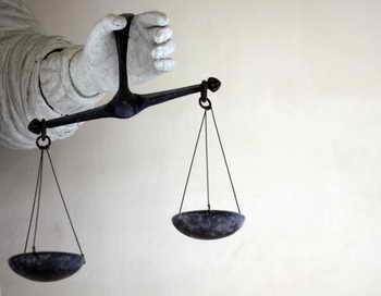 Семь судей Высшего арбитражного суда с рабочим стажем свыше 20 лет подали в отставку в связи с предстоящим слиянием Высшего арбитражного суда с Высшим верховным судом. Фото: DAMIEN MEYER/AFP/Getty Images