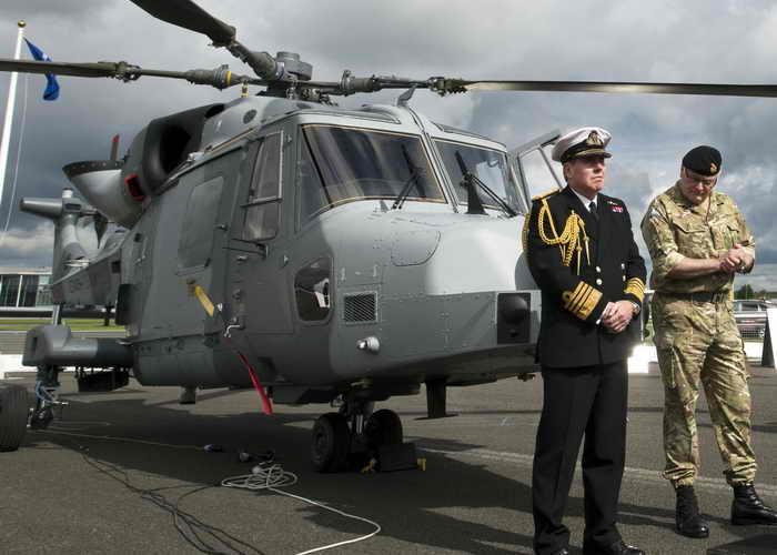 Британская компания Hardide Coatings совместно с мировым производителем вертолётов компанией AgustaWestland завершили первый этап испытаний лопастей с покрытием Tungsten Carbide. Фото: ADRIAN DENNIS/AFP/Getty Images
