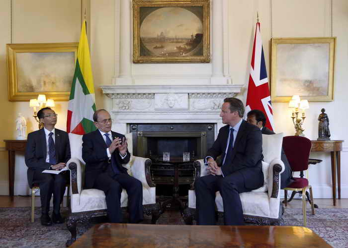 Лондон. Англия.Премьер-министр Великобритании Дэвид Кэмерон и президент Бирмы Тейн Сейн. Фото: Sang Tang - WPA Pool/Getty Images