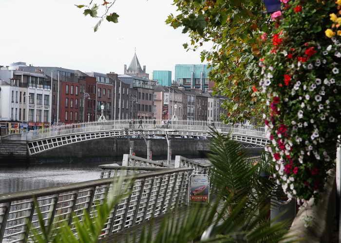 Ирландия. Дублин. Ирландская экономика снова пошла в рост, экспортные перспективы улучшились, и страна может теперь вновь подключиться к рынкам капитала, объявил Moody s. Фото: Chris Jackson/Getty Images