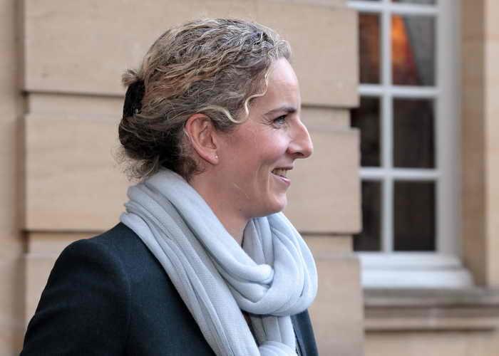 В правительстве Франции после критики в адрес планов жёсткой экономии была уволена министр охраны окружающей среды Дельфин Бато. Фото: JACQUES DEMARTHON/AFP/Getty Images