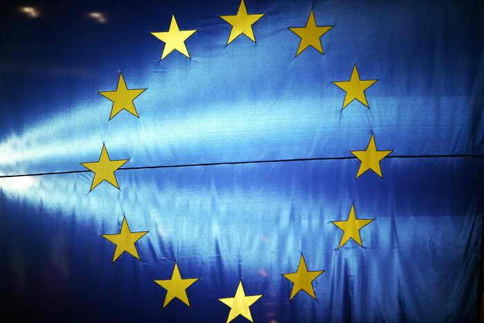 Комиссар ЕС по финансовым вопросам Олли Рен обратился к правительству США с призывом решить бюджетный спор как можно быстрее. Фото: GEORGES GOBET/AFP/Getty Images