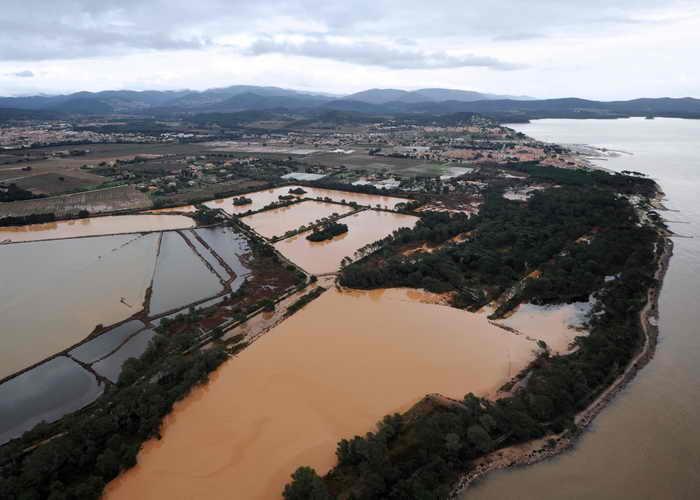 Наводнение на юге Франции. Фото: ANNE-CHRISTINE POUJOULAT/AFP/Getty Images