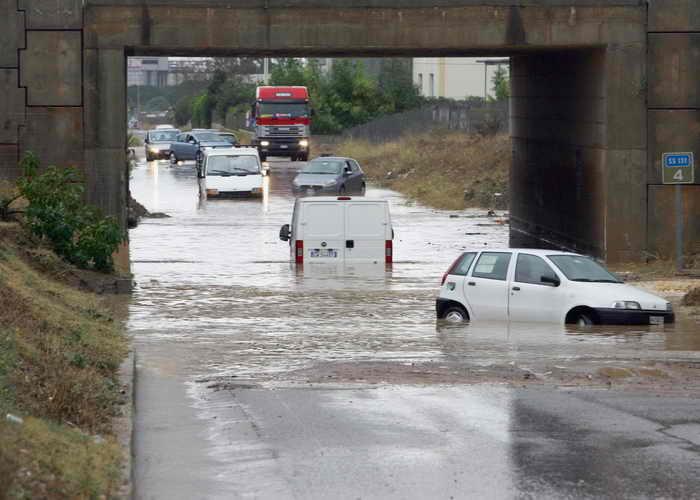 Италия. Наводнения на острове Сардиния. Фото: ITALO ORRU/AFP/Getty Images