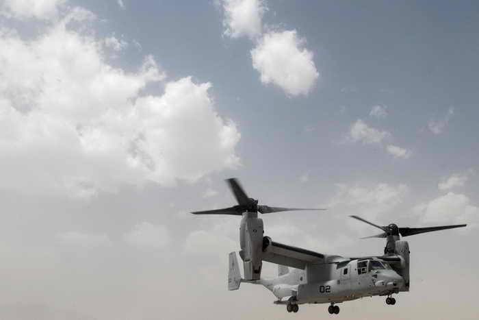 США перебросили на Окинаву конвертопланы Osprey.  Японский остров Окинава является местом дислокации большинства американских военных объектов, в том числе крупнейшей за границей базы военно-воздушных сил США «Кадена». Фото: Navy via Getty Images