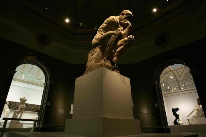 Великобритания. Знаменитая работа французского скульптора Огюста Родена,