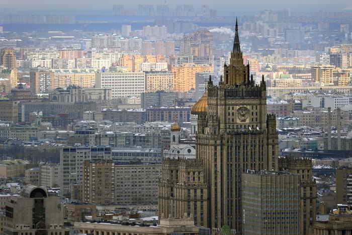 Работа российского консульства в Каире приостановлена на два дня. Такое решение российское внешнеполитическое ведомство приняло в связи с обострившимся внутриполитическим кризисом в Египте. Фото: ALEXANDER NEMENOV/AFP/Getty Images