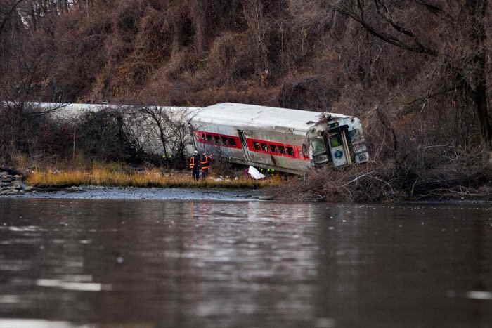 Скорость поезда перед крушением в Нью-Йорке превышала норму в три раза. Фото: Christopher Gregory/Getty Images