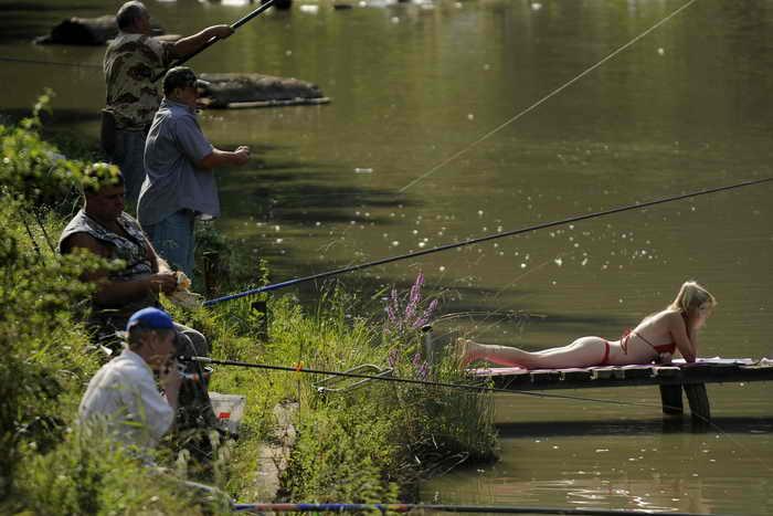 Общероссийский народный фронт выступил против законопроекта о платной рыбалке. Фото: DMITRY KOSTYUKOV/AFP/Getty Images