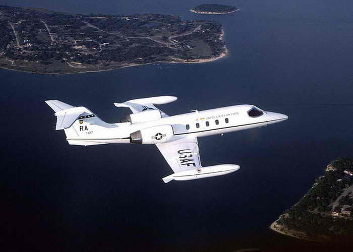 Самолёте С-21А. Айпады заменят бумажную документацию на самолётах ВВС США. Фото с сайта flickr.com