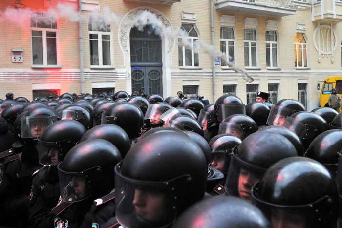 Киев. Полиция возле президентского офиса Виктора Януковича. Фото: GENYA SAVILOV/AFP/Getty Images