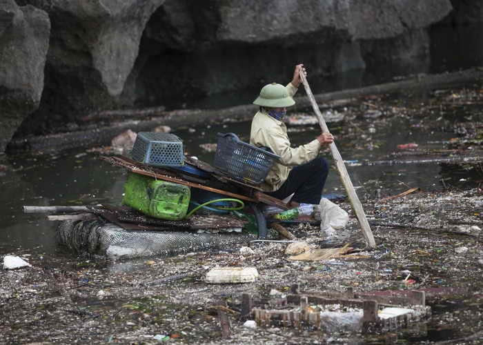 Во Вьетнаме 19 человек стали жертвами наводнения. Фото: Tim Barker/Getty Images