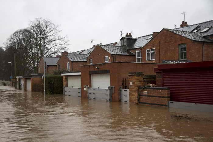 В Британии в связи с дождями увеличиваются масштабы затопления. Фото: Rob Stothard/Getty Images