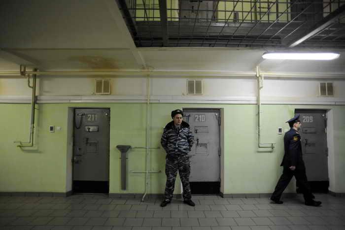 Срок нахождения подсудимых в следственном изоляторе ограничат одним годом. Фото: NATALIA KOLESNIKOVA/AFP/Getty Images