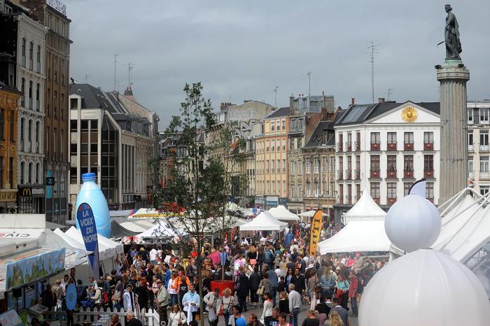 Крупнейший в Европе вещевой рынок Braderie de Lille («Лильская барахолка») проходит в эти выходные, 31 августа-1 сентября, во французском Лилле. Фото: Antoine Antoniol/Getty Images