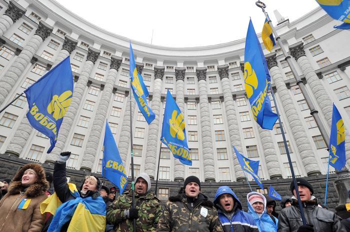 На Майдане в Киеве продолжается акция протеста 6 декабря 2013 года. Фото: GENYA SAVILOV/AFP/Getty Image