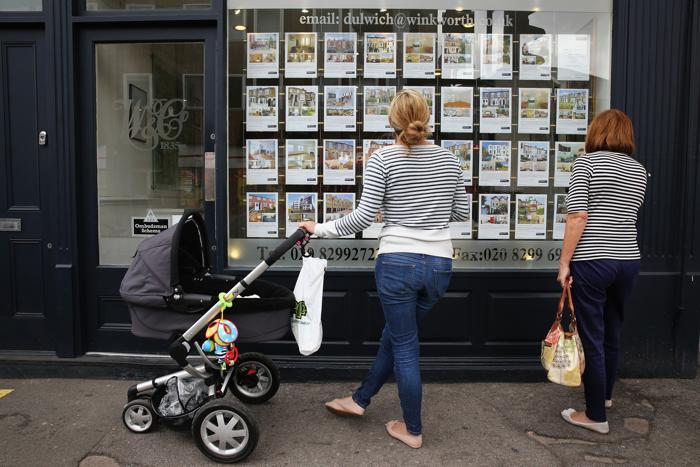 Дэвид Кэмерон запустил новую схему предоставления ипотечных кредитов в Великобритании под названием «Помочь купить» 8 октября 2013 года. Фото: Dan Kitwood / Getty Images