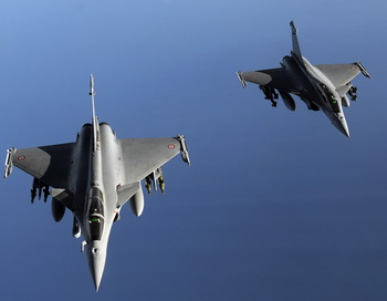 Военные истребители. Фото: GERARD JULIEN/AFP/Getty Images