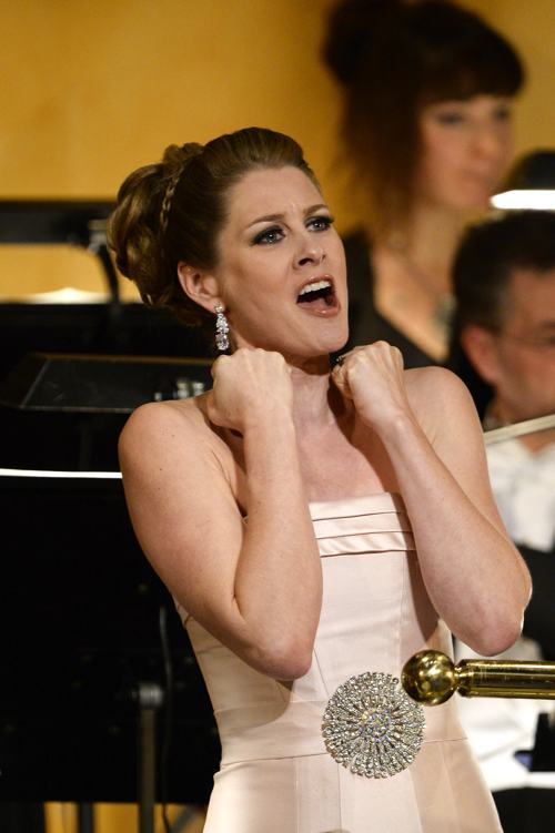 Певица Мэйлин Бистром (Malin Bystrom) выступила на церемонии вручения Нобелевской премии 2013 в Стокгольме 10 декабря. Фото: Pascal Le Segretain/Getty Images