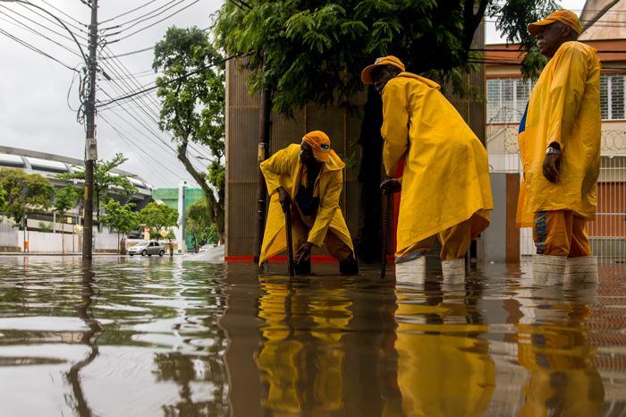 Сильные ливни, начавшиеся вечером 10 декабря в Рио-де-Жанейро, привели к выпадению почти двухмесячной нормы осадков. Фото: Buda Mendes/Getty Images