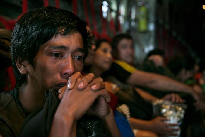 Супертайфун на Филиппинах заставил эвакуироваться сотни тысяч жителей. Фото: Paula Bronstein/Getty Images
