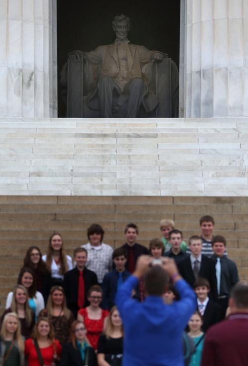 Памятник Линкольну вновь открыт для посещения 17 октября 2013 года, на следующее утро после принятия законопроекта о возобновлении работы правительства США. Фото: Mark Wilson / Getty Images