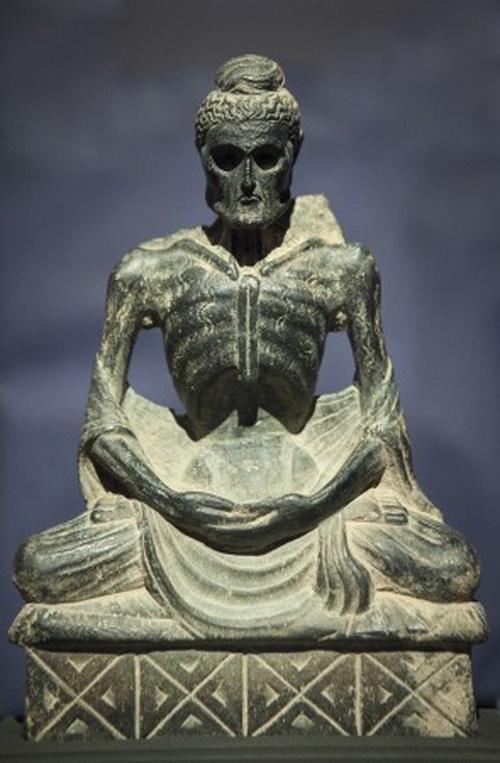 Скульптура постящегося Будды, выставка Dalton Somarй, Нью-Йорк, 12 марта, 2014. Фото: Samira Bouaou/Epoch Times