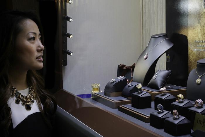 Выставка ювелирных изделий и драгоценных камней в Гонконге. Фото: Jessica Hromas/Getty Images