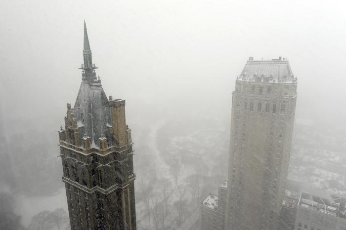 Быстродвижущийся холодный фронт принёс 21 января холода и метели в Нью-Йорк. Фото Фото: Timothy A. CLARY / AFP / Getty Images
