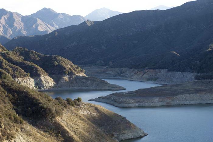 Уровень воды в резервуарах Калифорнии упал до рекордных показателей из-за сильнейшей за последние 119 лет засухи. Фото: David McNew/Getty Images