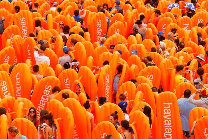 Национальный день Австралии собрал тысячи людей на самом популярном в стране пляже Бонди в столице 27 января 2014. Фото: Brendon Thorne/Getty Images