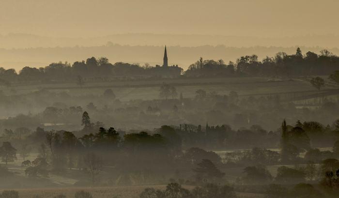 Последние осенние пейзажи можно наблюдать в английском графстве Сомерсет в конце ноября 2013 года. Фото: Matt Cardy/Getty Images
