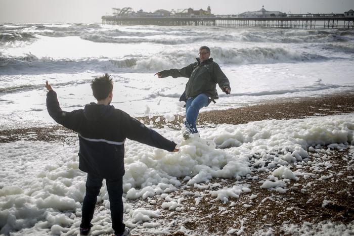 Сильнейший за последние пять лет шторм настиг Великобританию 27 октября 2013 года. Фото: Dan Dennison/Getty Images