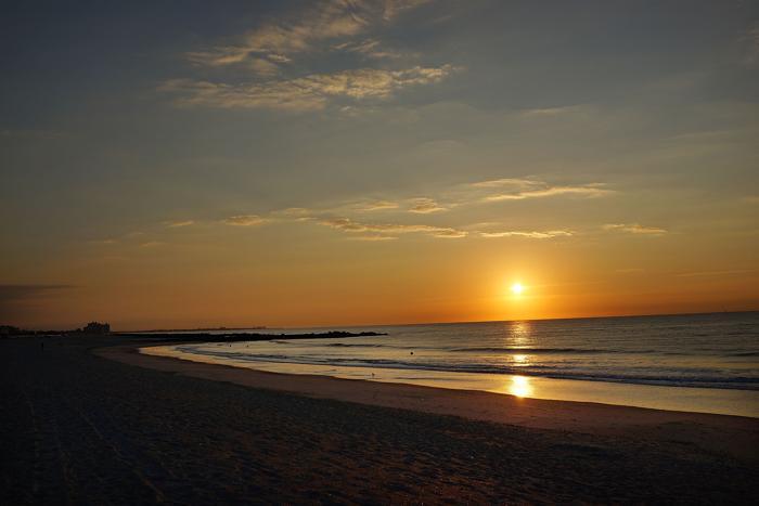 Пляж Нью-Йорка в день годовщины урагана «Сэнди» 29 октября 2013 года. Фото: Spencer Platt / Getty Images