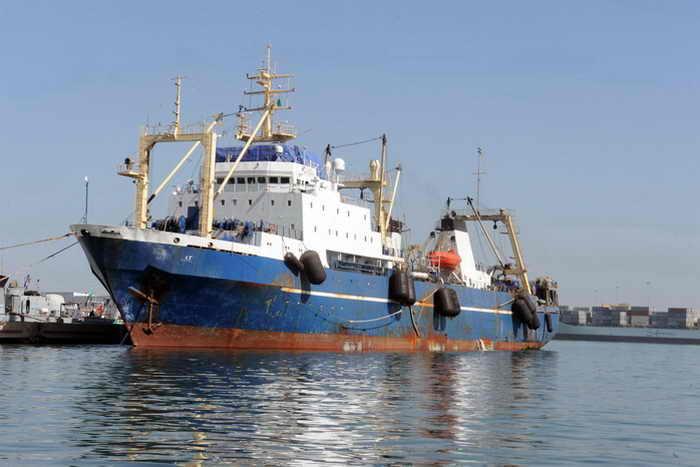 Траулер «Олег Найдёнов» покинул порт Сенегала. Фото: SEYLLOU/AFP/Getty Images