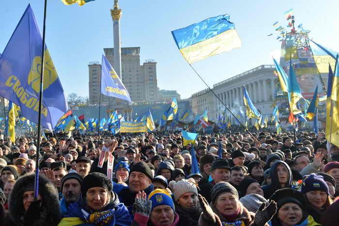 Майдан продолжает требовать отставки Виктора Януковича. Фото: SERGEI SUPINSKY/AFP/Getty Images